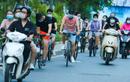 Người Hà Nội đổ xô đi thuê xe đạp, tiểu thương kiếm tiền triệu mỗi ngày
