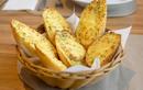 Cách làm bánh mì bơ tỏi đơn giản, nhanh chóng mà chuẩn vị Âu