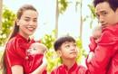 Hồ Ngọc Hà - Kim Lý cùng 3 con diện áo dài đỏ đón Tết