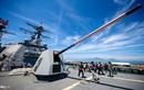 """Dàn vũ khí """"khủng"""" trên tàu tên lửa Mỹ tại Đà Nẵng"""