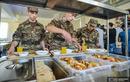 """Cho binh lính ăn """"buffet"""" mỗi ngày, Armenia khoe khoang về """"đỉnh cao hậu cần"""""""