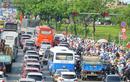 Hàng ngàn người về quê và du lịch dịp 30/4, Sài Gòn kẹt xe nghiêm trọng các cửa ngõ