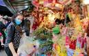 Dân Thủ đô đổ về phố hàng Mã sắm lễ cúng ông Công ông Táo