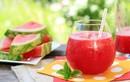 Lý do nước ép dưa hấu là thức uống giải khát tuyệt vời cho mùa hè