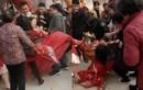 Chuyện lạ hôm nay: Cô dâu đánh đấm nhà trai vì lý do khó tin