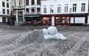 Xúc động rơi nước mắt câu chuyện bức tượng ở nhà thờ Bỉ