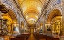 Cảnh tượng kinh ngạc trong nhà thờ dát 7 tấn vàng nổi tiếng nhất TG