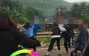 2 nhóm nữ sinh lớp 10 lên Facebook thách đấu, 'choảng' nhau loạn xạ