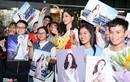 Tiểu Vy chúc mừng Phương Nga lọt Top 10 Hoa hậu Hòa bình