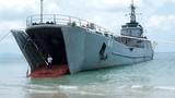 """Chiêm ngưỡng """"tàu há mồm"""" của Hải quân Việt Nam"""