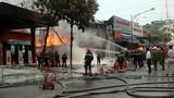 Tại sao các cây xăng chực chờ cháy nổ... không bị dẹp?