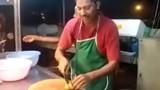 Đầu bếp vừa chặt thịt vừa nhảy theo nhạc sàn gây sốt