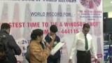 Kinh ngạc người đàn ông thắt cà vạt nhanh nhất thế giới