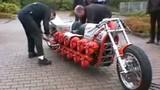 Chiếc xe máy có nhiều động cơ nhất thế giới