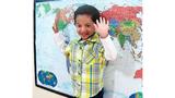 Khâm phục cậu bé 2 tuổi thuộc lòng bản đồ thế giới