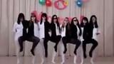 Màn múa dễ gây hiểu lầm của 8 gái xinh