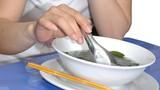 Hại gan, vô sinh vì nhịn ăn giảm cân