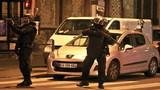 Hình ảnh vây ráp, đấu súng dữ dội ở ngoại ô Paris
