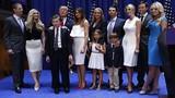 Chùm ảnh đại gia đình sát cánh cùng Donald Trump