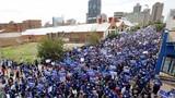 Hình ảnh biểu tình dữ dội phản đối Tổng thống Nam Phi