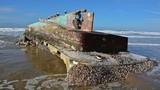 """Bí ẩn con tàu """"ma"""" trôi dạt vào bờ biển nước Mỹ"""