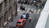Hiện trường đâm dao kinh hoàng ở Paris, nhiều người thương vong