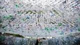 Độc và lạ: Xây nhà bằng 1.500 chai nhựa bỏ đi