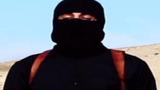 """Đao phủ khét tiếng của IS bị """"lột mặt"""" như thế nào?"""