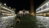 Triều cường đạt đỉnh trong 50 năm, thành phố Venice chìm trong biển nước