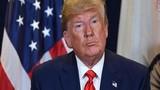 """Giữa """"bão"""" luận tội, Tổng thống Trump làm điều bất ngờ này"""