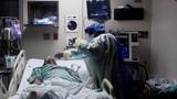 Đột nhập nơi bác sĩ giành giật sự sống cho bệnh nhân COVID-19 ở Mỹ