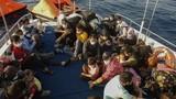 """Thảm cảnh người di cư bị """"bỏ rơi"""" giữa biển"""