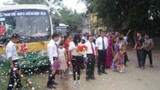 Màn rước dâu bằng xe buýt cực độc ở Vĩnh Phúc gây xôn xao