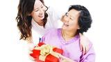 Con dâu chi trăm triệu tặng quà bố mẹ chồng ngày lễ Vu lan