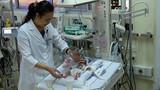 20 ngày cân não trước ca mổ tim cứu bé gái sinh non
