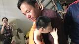 Lời hứa của anh Đặng Hữu Nghị, người cha có 2 con bị bại não