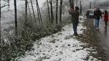 Tuyết phủ trắng đỉnh Phan Xi Păng