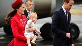 Hoàng tử Anh chu du cùng bố mẹ
