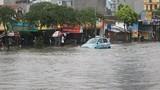 Xem hà bá nuốt gọn ôtô, xe máy trên phố Hà Nội