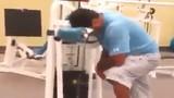 Clip cười đau ruột với anh chàng ngủ gật khi tập gym
