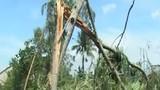 Lốc xoáy kinh hoàng tốc hàng trăm mái nhà ở Quảng Ngãi