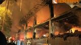 Hiện trường cháy kinh hoàng tại bar Luxury nức tiếng Hà thành
