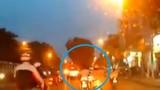 Thanh niên đi xe lạng lách, gây tai nạn trên đường