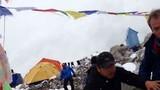Video khoảnh khắc hãi hùng về thảm họa trên đỉnh Everest