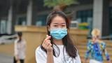Viết đơn xin thử nghiệm thuốc COVID-19, nữ tiếp viên khiến dân tình nể phục