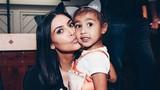 Những món đồ xa xỉ gây sốc của con gái Kim Kardashian