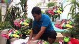 """Video: Choáng váng với """"gia tài"""" dép tổ ong với đủ loại màu sắc của Quyền Linh"""
