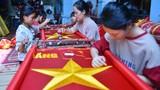 Ngôi làng hơn 70 năm sản xuất cờ Tổ quốc