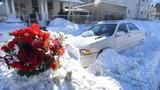 Mẹ và con trai chết ngạt khi tránh rét trong ô tô