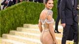 Mỹ nhân đẹp lịm tim với váy xuyên thấu khoe đường cong cơ thể